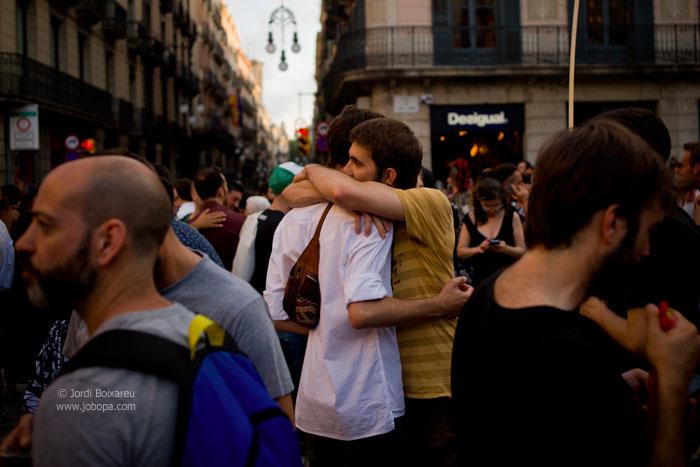 Boixareu-Orlando-vigil-embrace