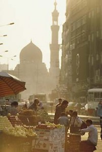 A street in Cairo, photographed by Dick Doughty. Courtesy Saudi Aramco World image archive.